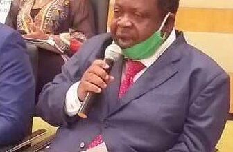 Photo de Conférence du Président de l'UJPLA au Sénat de Côte d'Ivoire à Yamoussoukro